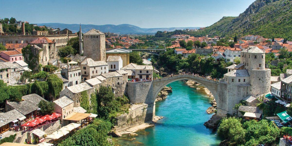 Во Босна и Херцеговина од денес само со лична карта